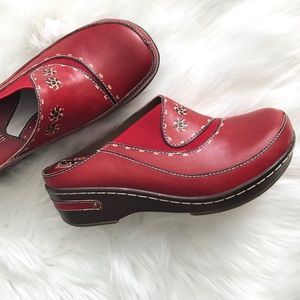 L'Artiste Chino by Spring Step Leather Clogs 37